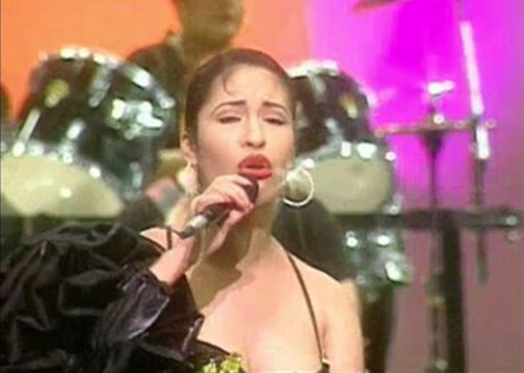 Watch The Rare Selena y Los Dinos Video Released by The ...