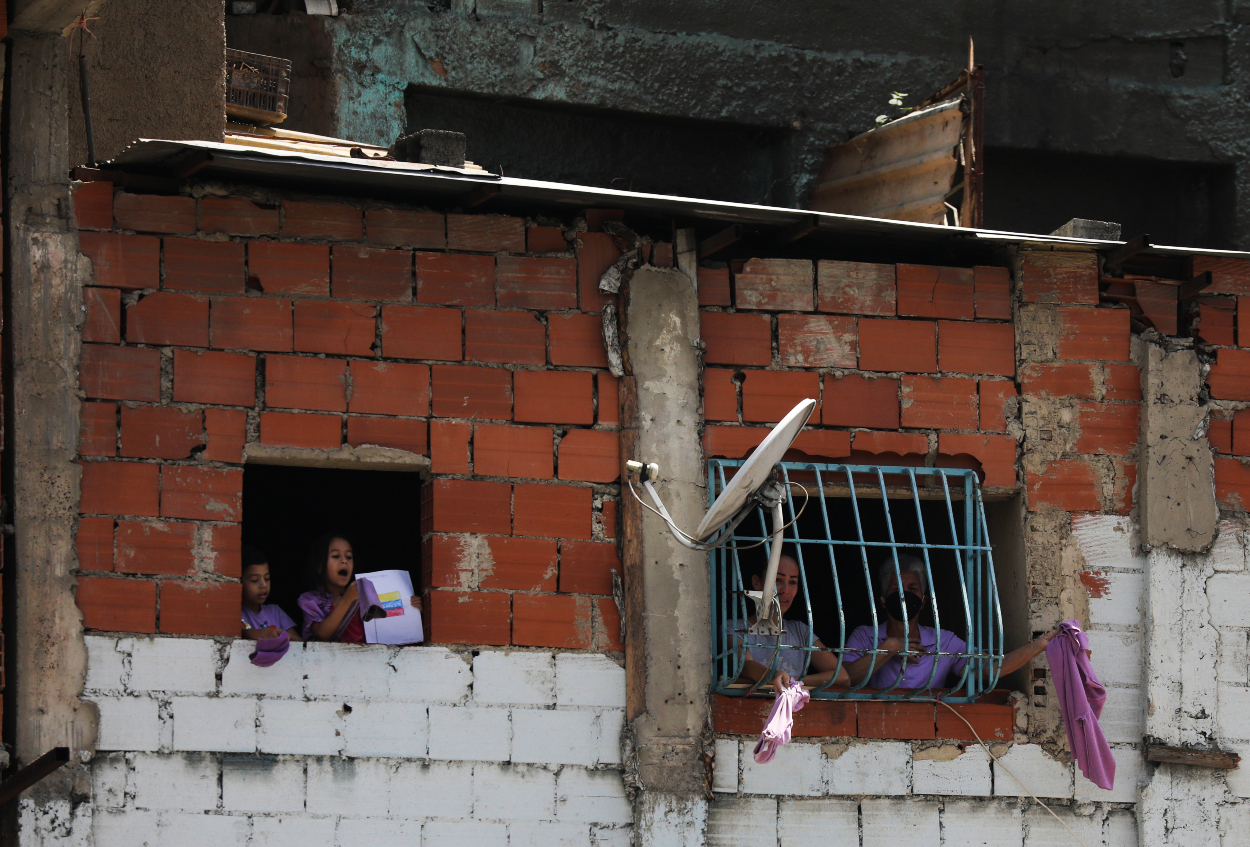 Inside Venezuela: Where People Can Only Afford Rotten Meat ...