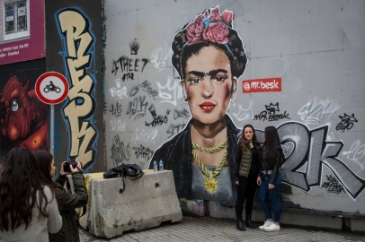 New Series About Iconic Mexican Artist Frida Kahlo Is in the Making, Report Says
