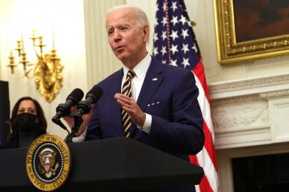 Biden Signs New Executive Orders on Food Stamps, Stimulus Checks, and Federal Minimum Wage