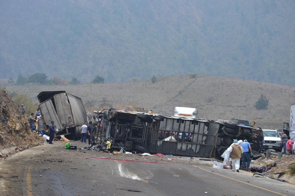 16 Dead, 14 Hurt in Mexico Bus Crash