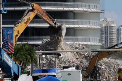 2 Nieces of Paraguay First Lady Among Latest Victims of Florida Condo Collapse