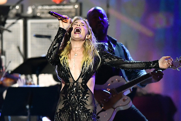 Country Singer LeAnn Rimes' Iconic 'Blue' Video Recreation Makes Her Fans Go NUTS On Instagram: Here's Why!