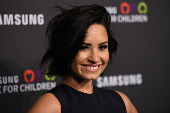 Demi Lovato Admits Sliding Into 'Schitt's Creek' Star Emily Hampshire's DMs, Who Now Confirms She's Pansexual