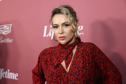 Alyssa Milano Hits Out at Jason Aldean's Political Openness After Wife Gets Criticized for Anti-Biden Shirts