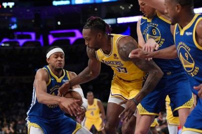 Golden State Warriors v Los Angeles Lakers