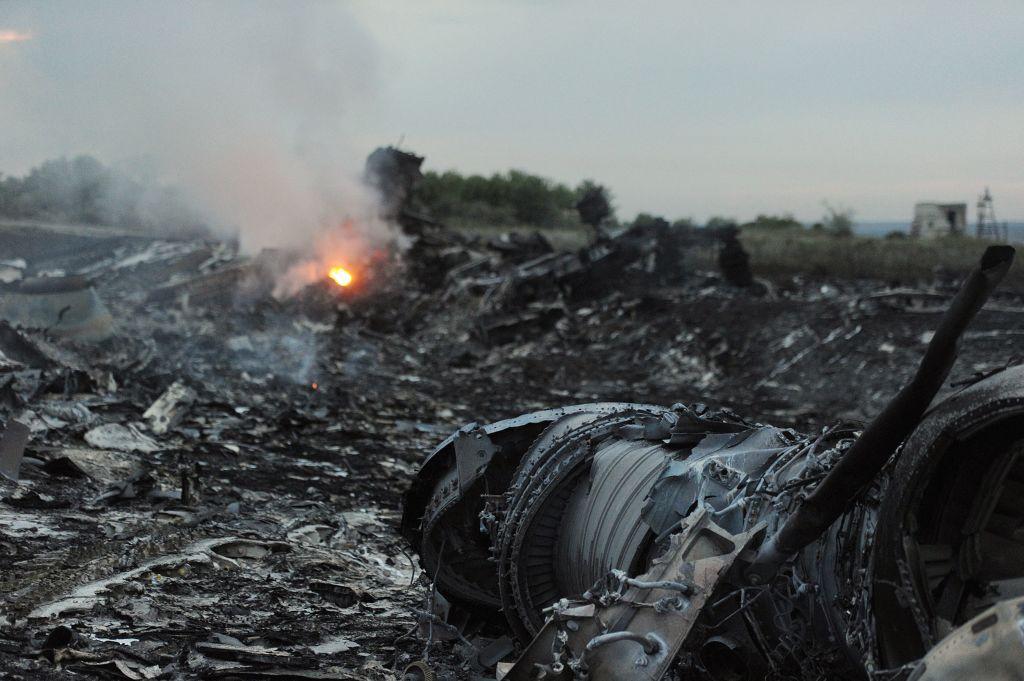 TOPSHOT-UKRAINE-AVIATION-ACCIDENT-RUSSIA-MALAYSIA