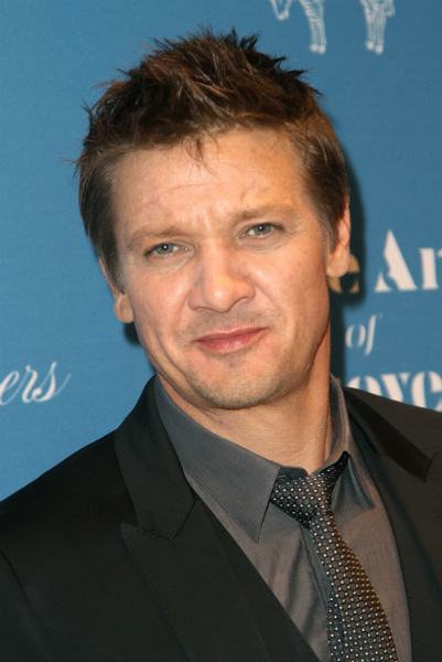 Jeremy Renner Married News 2014: Wife Sonni Pacheco ...