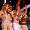 Did Jennifer Lopez Imitates Beyonce's 2014 GRAMMYs Performance at the 2020 AMAs