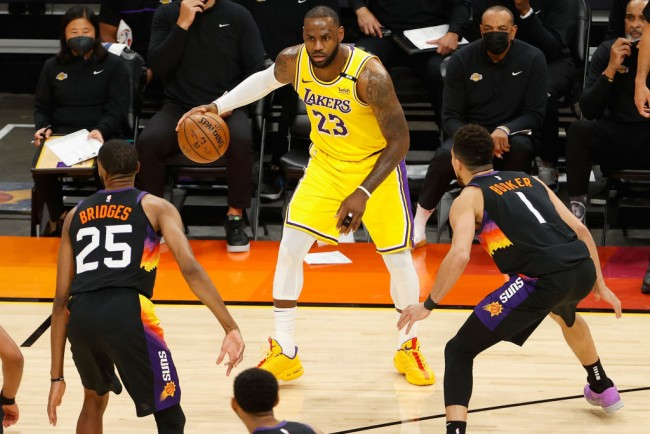 LeBron James, Anthony Davis Dominate as Los Angeles Lakers Cruise to Game 3 Victory Over Phoenix Suns