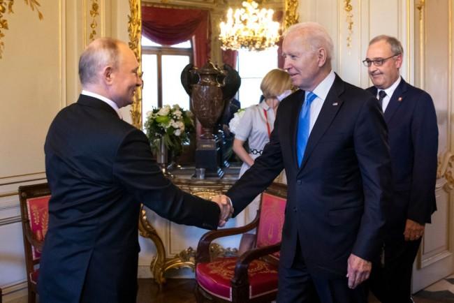 Vladimir Putin Eyes Possible Collaboration With Joe Biden in Energy, Security