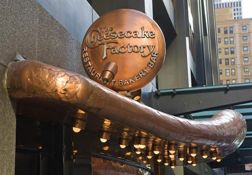 Cheesecake Factory, Red Robin Lead 2014 'Xtreme Eating Awards'