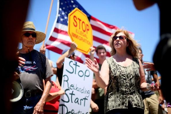 immigration-protests-murrieta-california