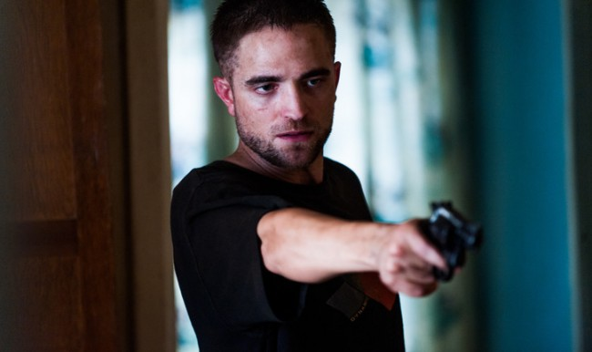 """Why Robert Pattinson Should Be Nominated for Best Supporting Actor This Year for """"The Rover """""""