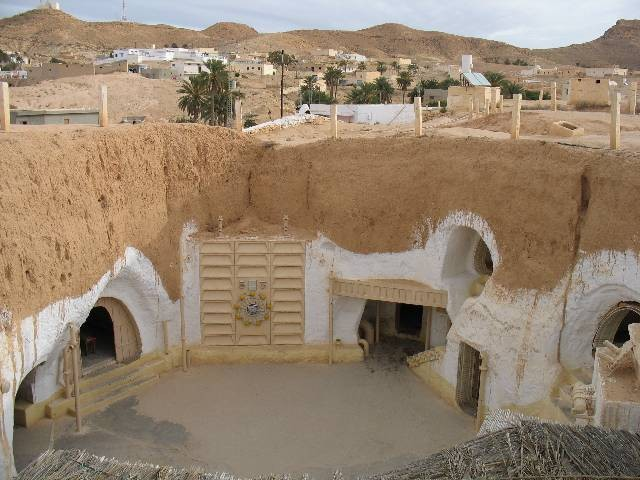 """ISIS Incursions Risk """"Star Wars"""" Sets in Tunisia"""